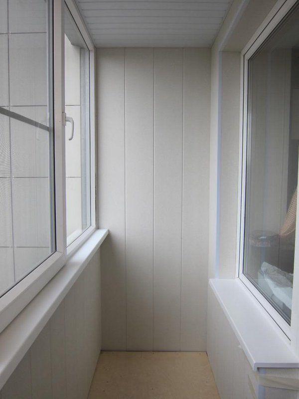 Окна и балконы.